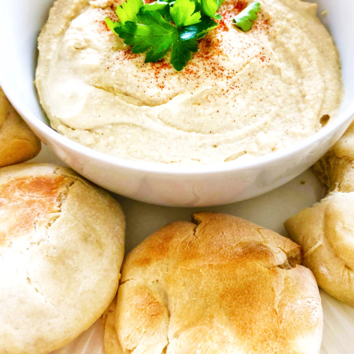 learn how to easily make homemade hummus with this recipe