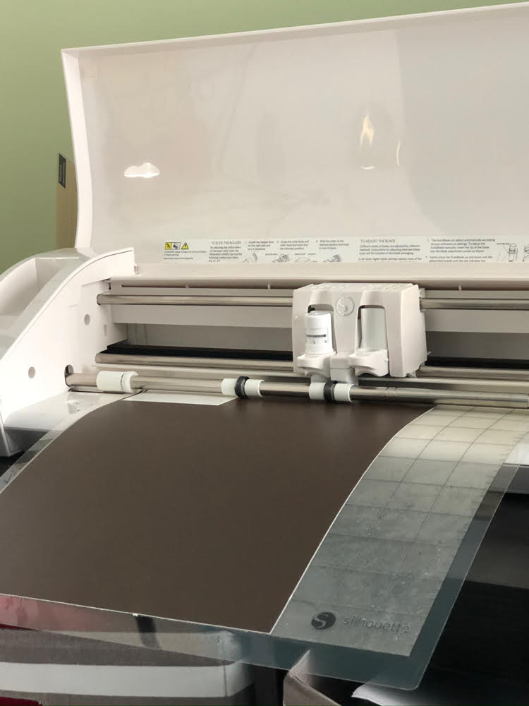 cutting vinyl with a Silhouette Cameo vinyl cutting machine