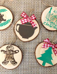 beautiful homemade DIY wood slice ornaments