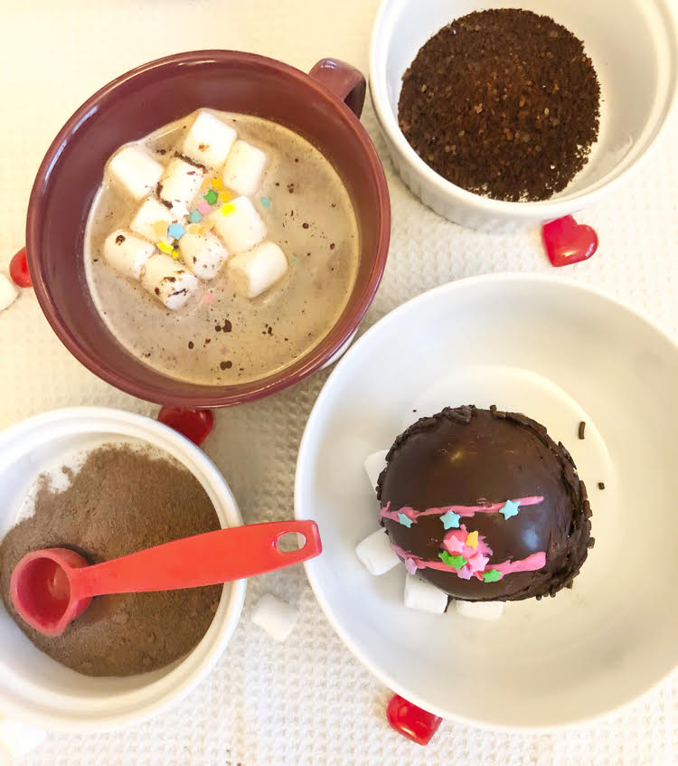 Follow this recipe to make your own delicious dark chocolate mocha hot cocoa bombs at home.