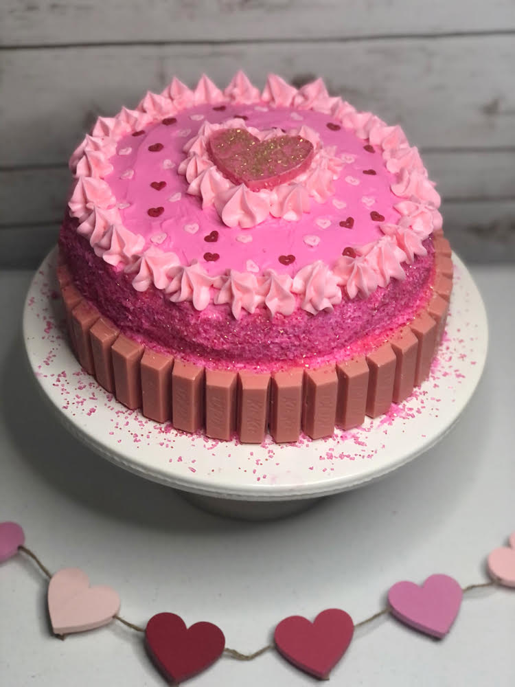Sweetheart KitKat cake by Mom Home Guide