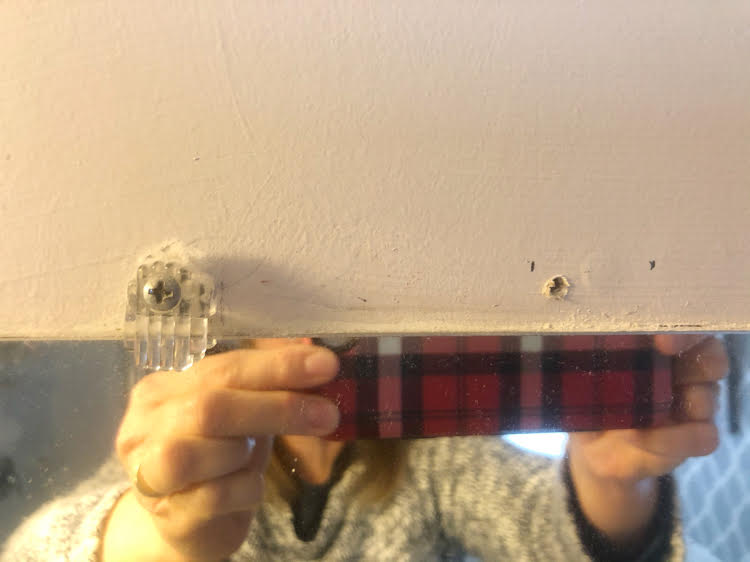 bulky mirror clip and pilo hole for flat mirror clip