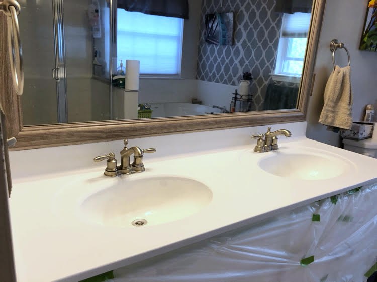 a bright white base coat from the Giani marble countertop kit