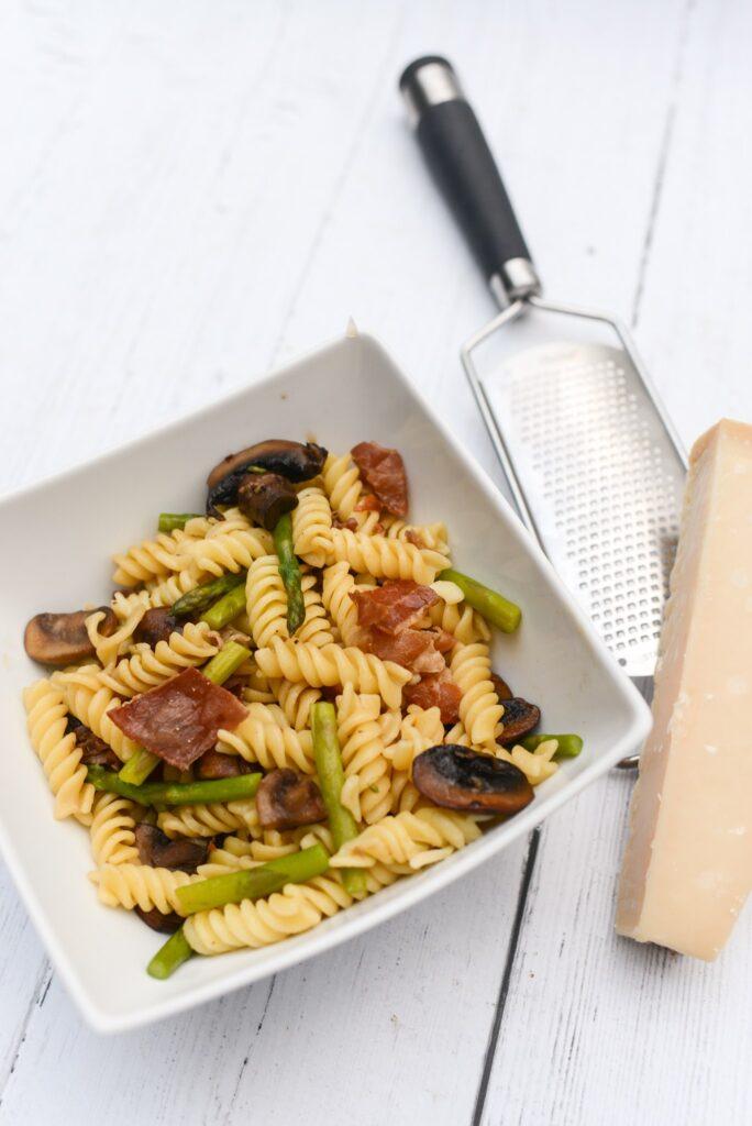 prosciutto asparagus pasta