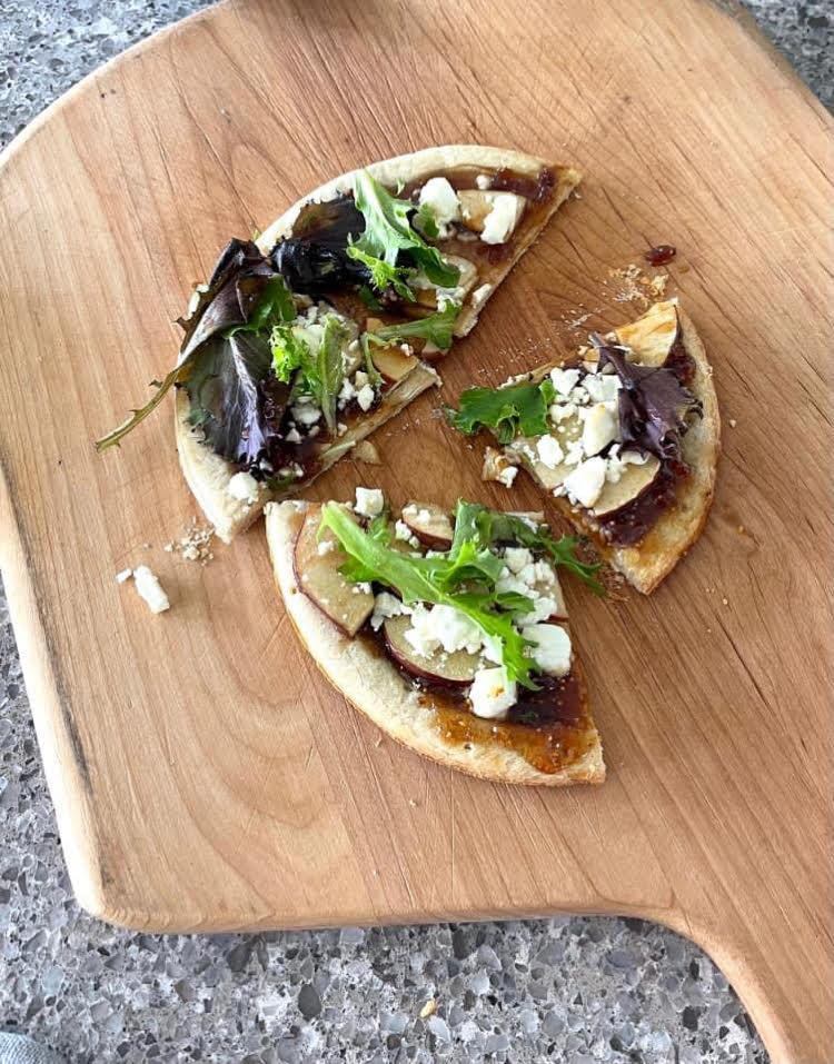I love this recipe for a delicious flatbread with fig, apple and goat cheese.